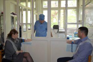 Добра справа: в Хусті відбувся забір крові бригадою Закарпатської обласної станції переливання крові