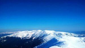 Засніжені Карпати 19  квітня: сніг, мороз та синє небо