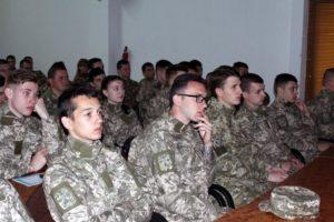 Курсантам військової кафедри розповідали про гібридну війну