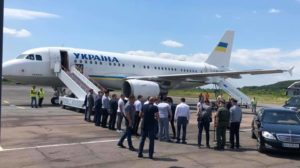 В аеропорту Ужгорода спокійно можуть приземлятися airbus або boeing. Перевірено Президентом Зеленським