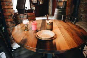 Поїв, то з'їж свою тарілку! В Ужгороді страви подають у еко-посуді (фото)