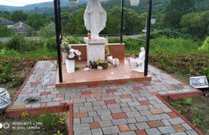 Кому заважає пам'ятник Пресвятої Діви Марії