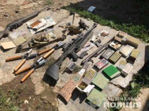 Пістолет-револьвер «Лефоше», пістолет-кулемет «Судаєва» та бойові набої до них вдома зберігав хустянин