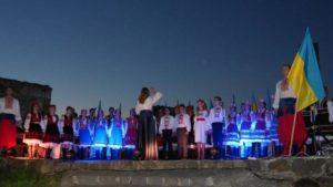 Ужгородці о шостій ранку традиційно помолились за Україну (відео)