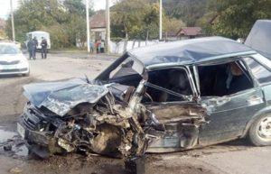 На Мукачівщині рейсовий автобус зіткнувся з легковиком! Є постраждалі