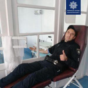 Закарпатські патрульні приєдналися до акції донорства в Ужгороді