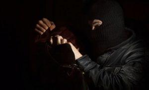 В Ужгороді побили іноземця вимагаючи від нього гроші