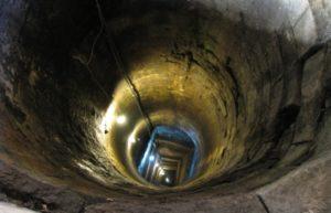 Криниця у замку Паланок має 2 таємні резервуари, які ймовірно слугували таємними проходами (ФОТО)