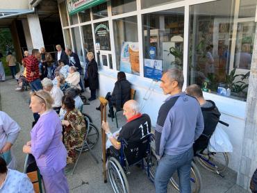 Горить міська лікарня Ужгорода! Хворих вивозять на каталках! (фото, відео)