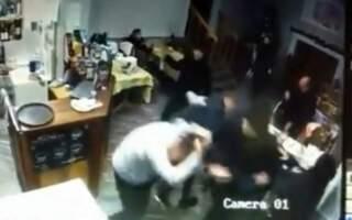 У мукачівському кафе напали на відвідувачів.Правоохоронці розпочали слідство