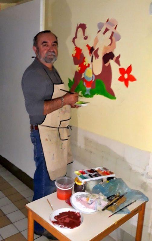 У Берегові художники розмальовують районну лікарню (фото)