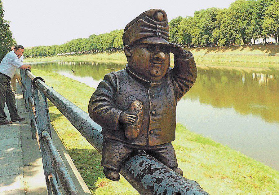 В Ужгороді вкрали міні-пам'ятник Швейку