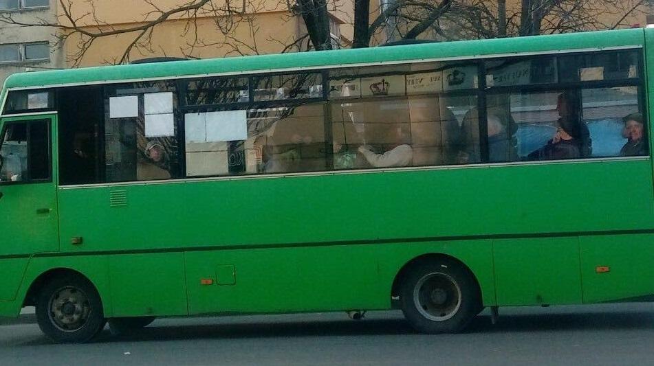 В Ужгороді не дотримуються правил перевезення у період карантину (ФОТО)