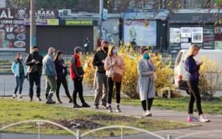 """""""Масковий режим"""" в Україні діятиме щонайменше два роки – Шмигаль"""