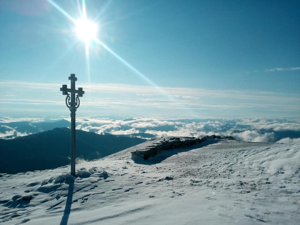 Карпати засипало снігом: з'явились неймовірні фото