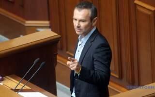 Вважаю свою місію виконаною, – Святослав Вакарчук про складання депутатських повноважень (відео)