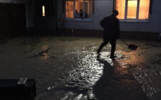 Село на Закарпатті затопило так, що люди вистрибували з вікон: влада розводить руками (фото)