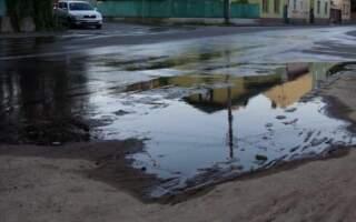 Вулицями Ужгорода течуть фекальні ріки (фото/відео)