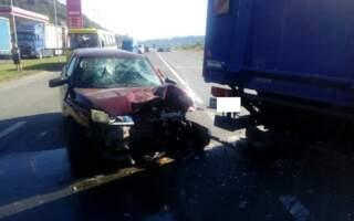 Відео аварії біля Мукачева: фура розтрощила легковик