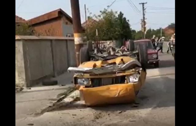 Відео автотрощі у Берегові: дві автівки перекинулись