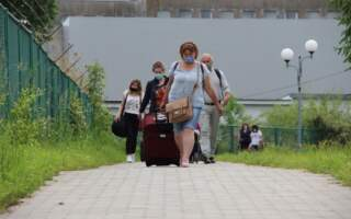 Польща просить скасувати карантин для українців: нема кому працювати