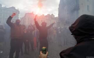 У Празі поліція розігнала антиковідний мітинг. Є затримані