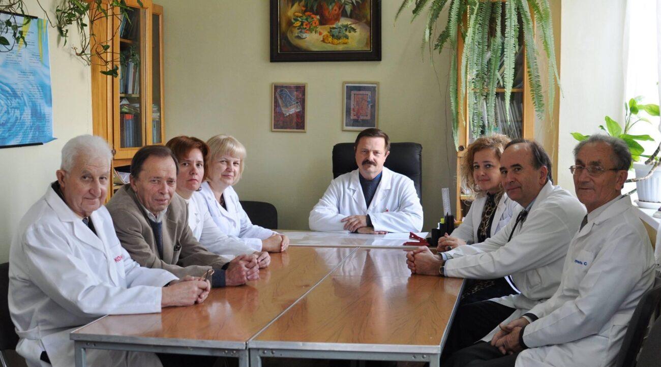 Після тривалої невиліковної хвороби помер лікар, доцент УжНУ Михайло Шютєв