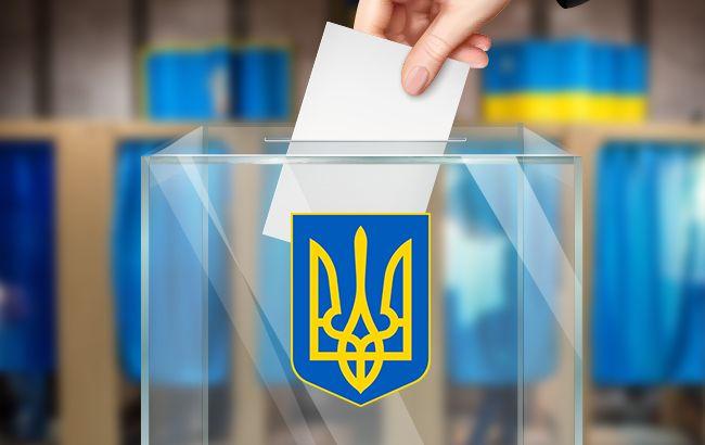 На одній з дільниць Ужгорода видали бюлетень без документів