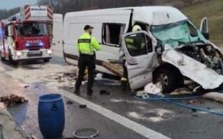 Фото. У жахливій ДТП у Словаччині з мікроавтобусом з України загинула жінка