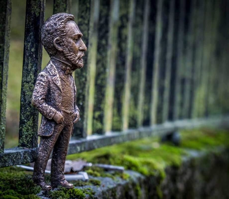 Мініскульптуру Альфреда Нобеля, роботу Михайла Колодка, встановили у Стокгольмі (ФОТО)