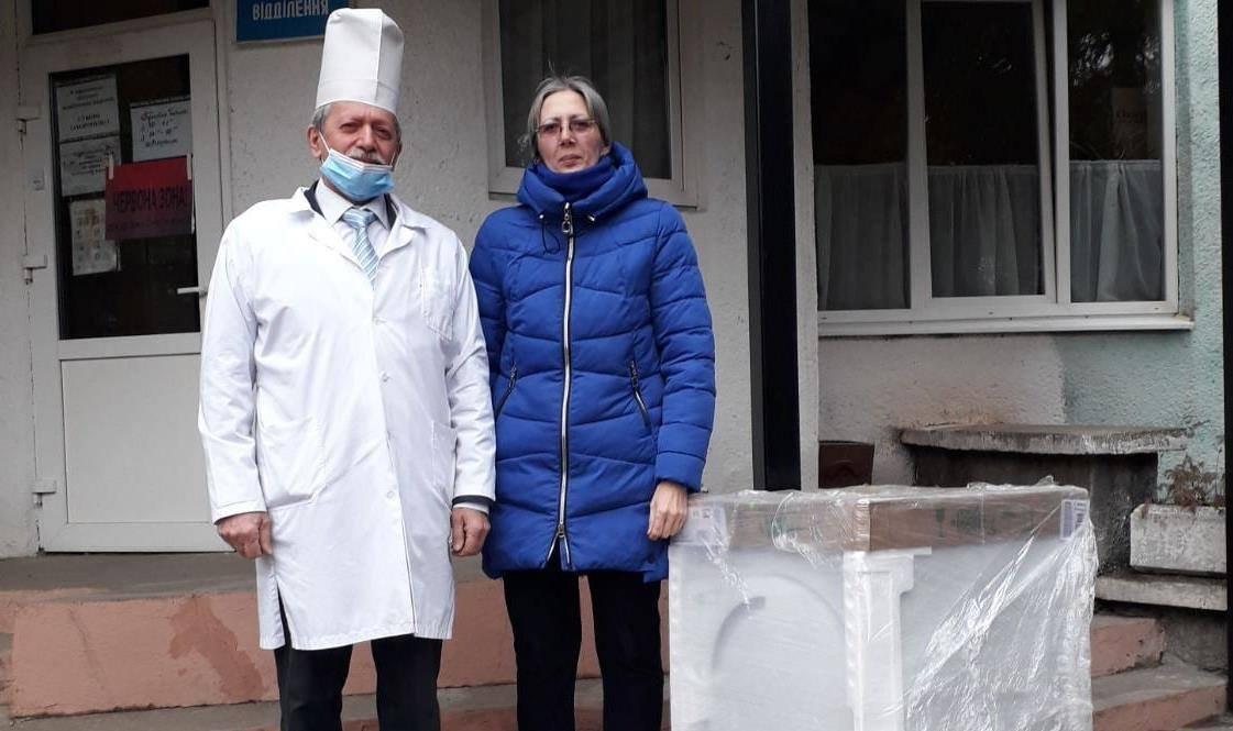 Волонтери придбали нову сушильну машину для Рахівської райлікарні