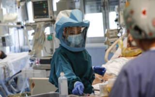 Один з таких прикладів – мій пацієнт Микола. Він заробітчанин і він уже перехворів, – інфекціоніст про нові випадки інфікування мутованого коронавірусу на Закарпатті
