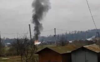 У мережі оприлюднили відео пожежі в Іршаві: Свідки зазначають, що пожежі передували два вибухи