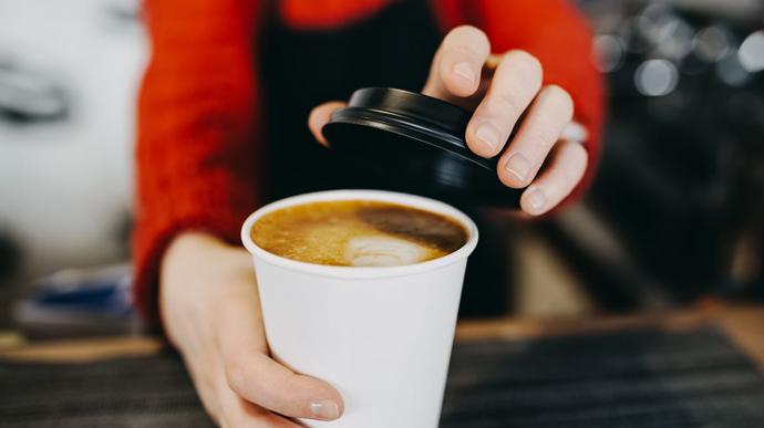 """У Чехії заборонили """"каву з собою"""""""