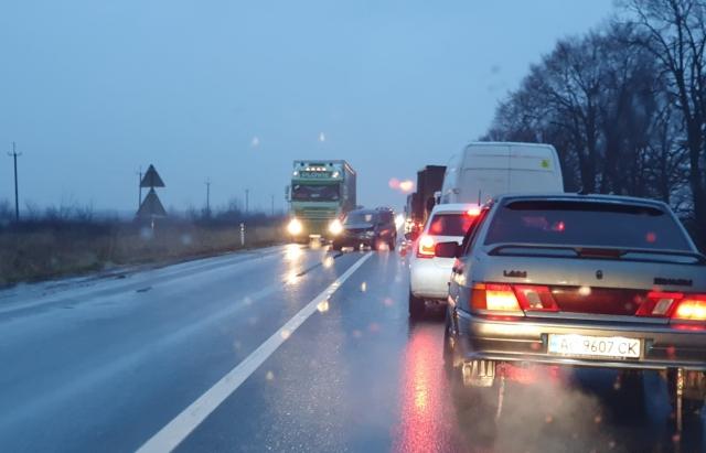 ДТП на Закарпатті: Автівки зіткнулися між селами Ракошино та Іванівці Мукачівського району (ВІДЕО, ФОТО)