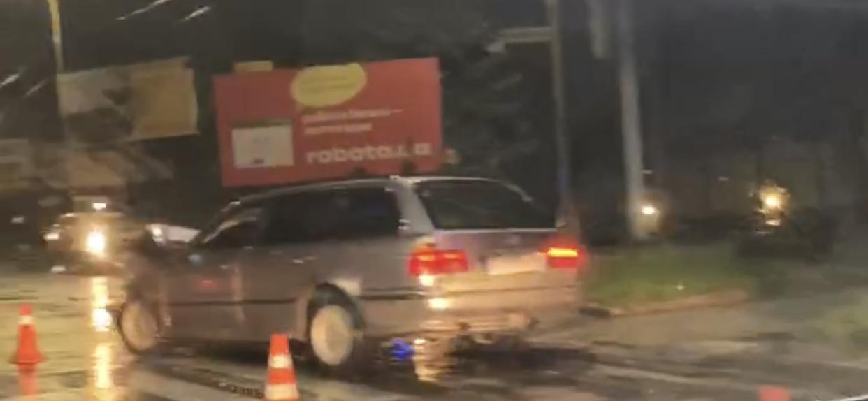 У мережі оприлюднили відео з місця ДТП в Ужгороді