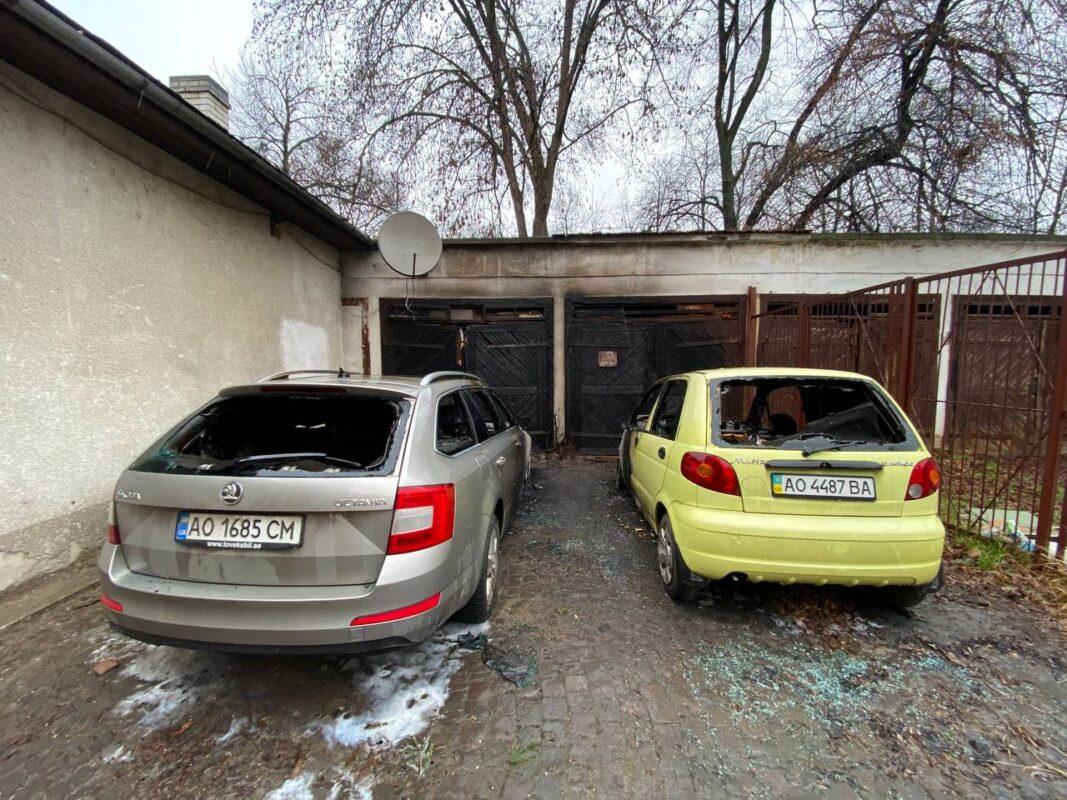 ФОТО. В Ужгороді горіли авто