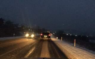 Сніг пішов – «полетіли» ДТП: Ранкові автопригоди на Закарпатті (ВІДЕО)