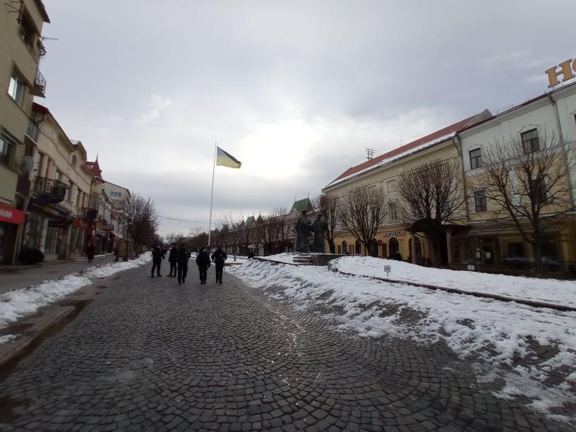 Близько сотні людей вийшли на тарифний протест у Мукачеві (ФОТО)