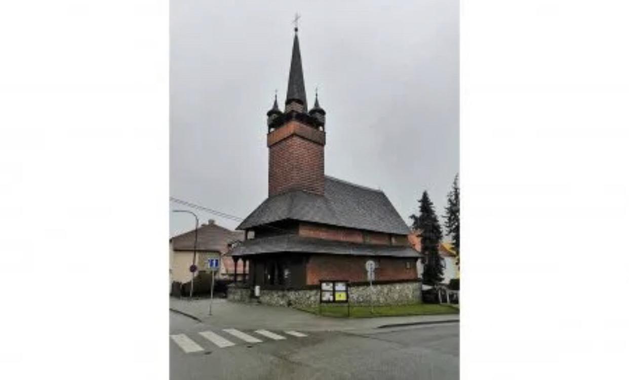 Одна з найдавніших церков Закарпаття прикрашає чеське містечко Бланско (ФОТО)