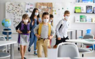 Усі навчальні заклади – як школи, так і дитсадки – Тячівської громади з понеділка повертаються до роботи у звичному режимі