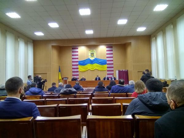 Мукачівська райрада без голови та без бюджета: Шоу триває