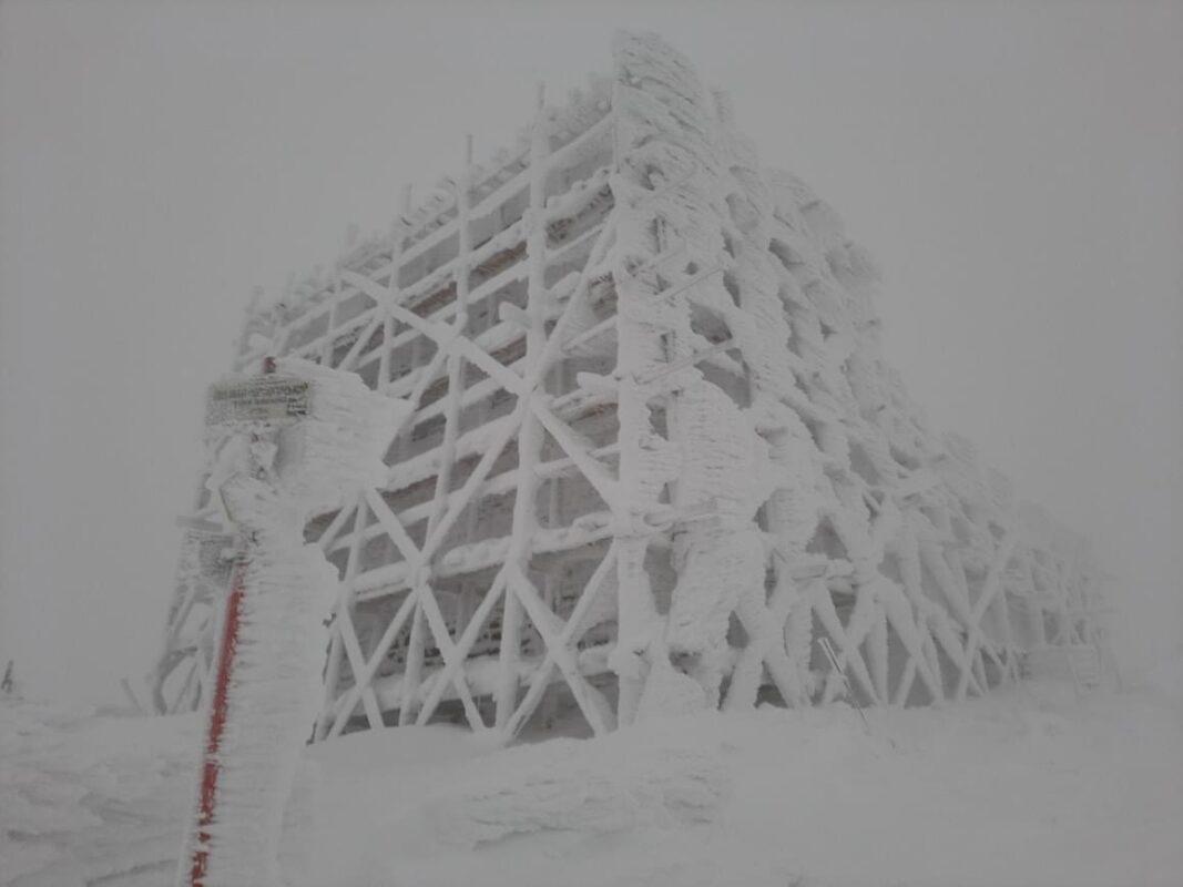 Сніг на Рахівщині ( ФОТО)
