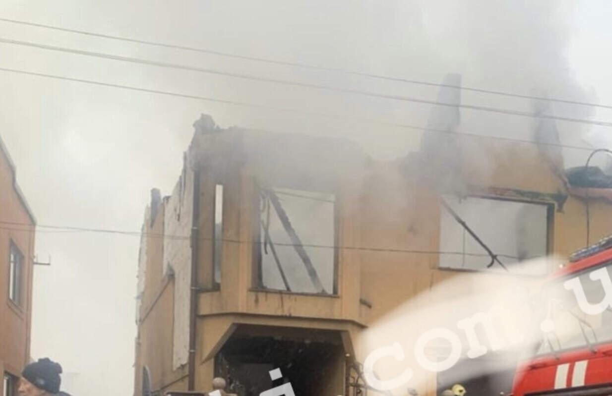 Оприлюднили ФОТО/ВІДЕО масштабної пожежі на Тячівщині