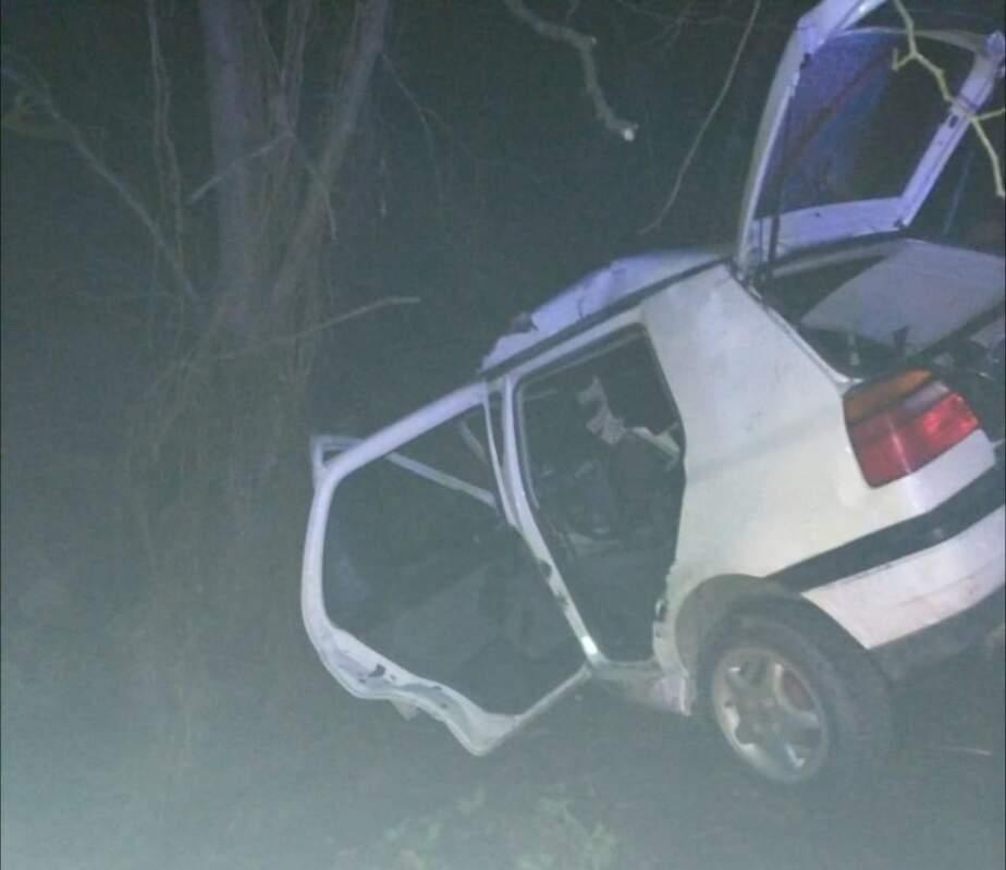 Смертельна ДТП на Закарпатті: Пасажир загинув відразу, водій - у швидкій (ФОТО)