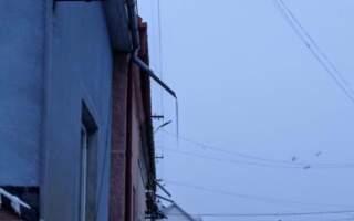 Будьте обережні: Над головами мукачівці нависає смертельне небезпека