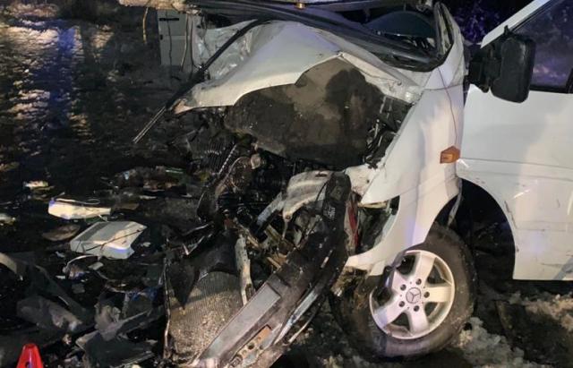 Смертельна автотроща та трасі Київ-Чоп: Двоє загиблих та 4 травмованих (ФОТО, ВІДЕО)