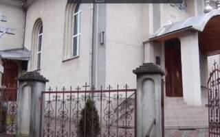 ВІДЕО. Релігійні утиски: православну громаду на Рахівщині хочуть позбавити храму