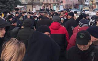 Акція у Мукачеві була останньою мирною: Мітингувальники готові до радикальних дій – блокування ОДА та автошляху Київ -Чоп