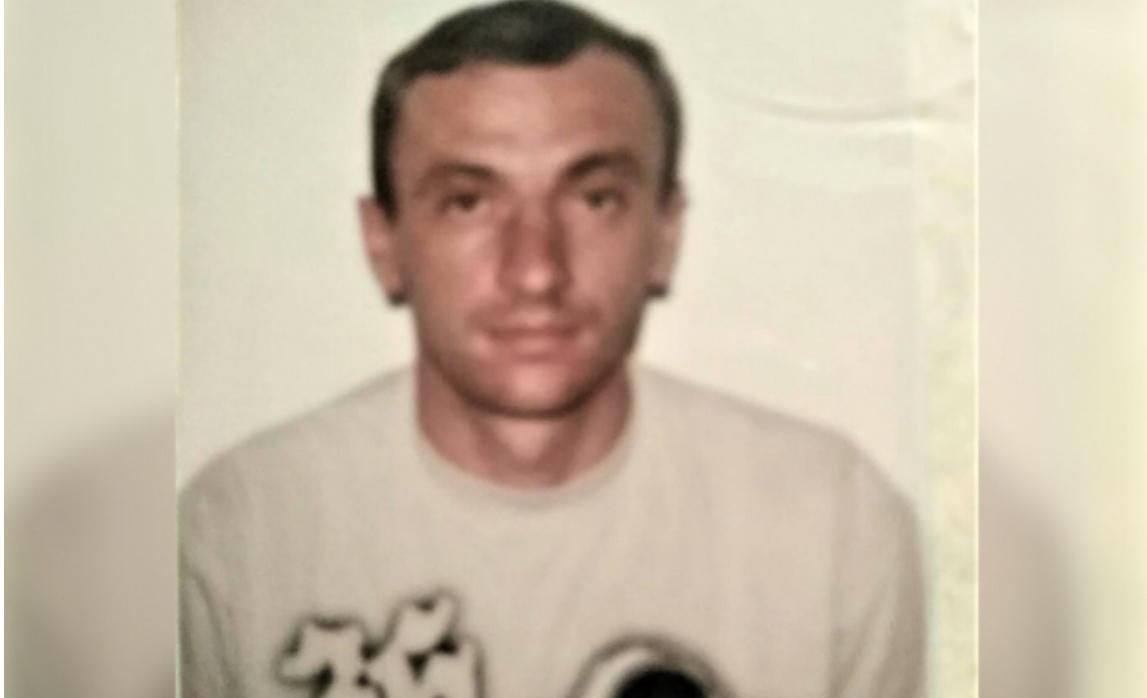 """""""Мама, сестри, всі родичі, Андрійку, чекають тебе додому! Відгукнись, де ти!"""", - рідні розшукують 43-річного закарпатця, який пропав за кордоном  (ФОТО)"""